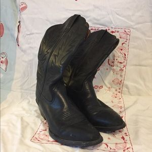 Black Ariat Cowboy Boots
